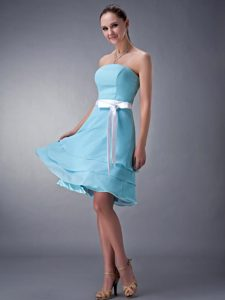 Sweet Strapless Aqua Blue Chiffon Dama Quinceanera Dresses with Sash