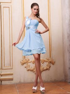 Light Blue One Shoulder Elegant Dama Quinceanera Dresses with Ruches