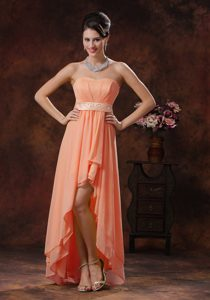 Exquisite Orange High-low Zipper-up Quinceanera Dama Dresses with Belt