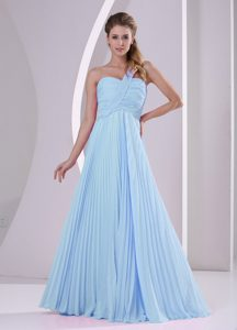 Baby Blue One Shoulder Brush Train Discount Dama Dresses with Pleats