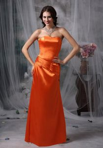 Beautiful Strapless Ruched Orange Red Dama Dresses for Quinceanera