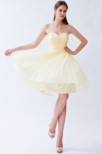 Lovely Champagne Sweetheart Knee-length Chiffon Dama Dress for Quinceanera on Sale