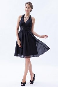 Black Empire Halter Top Knee-length Chiffon Ruched Dama Dress for Quince on Sale