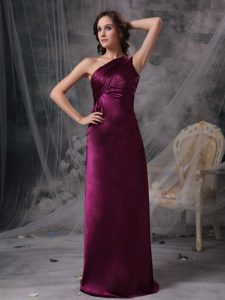 Elegant Purple One Shoulder Quinceanera Dama Dresses with Ruching for Cheap