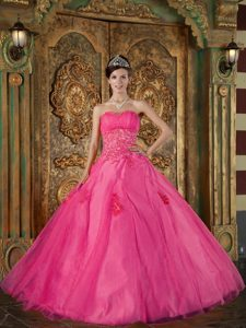 Sweetheart Appliqued Quinceanera Dresses in Hot Pink with Beading