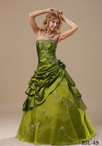 Green Strapless Pick-ups Sweet 16 Dresses with Hand Made Flowers