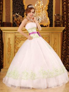White Appliques Strapless Dresses for Quinceaneras Floor-length