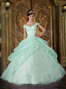 Off the Shoulder Apple Green Appliques Quinceanera Gown Dresses