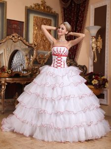 2013Popular White and Red Strapless Organza Appliques Quinceanera Gown