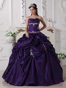 2013 Dark Purple Strapless Taffeta Appliques Quinceanera Gown Dress for Fall