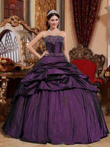 Dark Purple Strapless Ball Gown Taffeta Beaded Quinceanera Gown Dresses