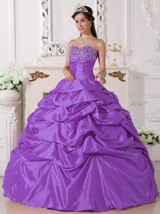Elegant Cheap Purple Sweetheart Strapless Taffeta Beaded Quinceanera Gown