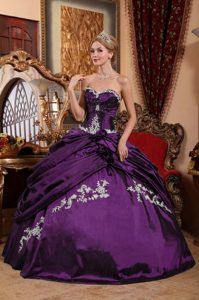 Elegant Purple Ball Gown Appliques Taffeta and Pick-ups Quinceanera Dresses