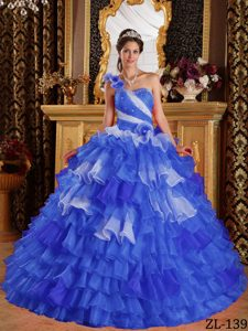 One-shoulder Blue Organza Ruffled Quinceanera Dresses with Beading and Flowers