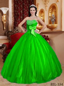 Bright Green Sweetheart Ball Gown Tulle Quinceanera Dresses with Beading and Bow