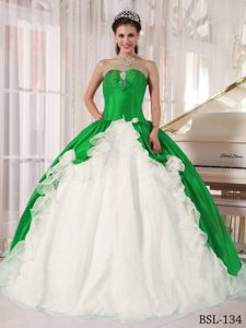 Chic Green Taffeta and White Organza Quinceanera Dress with Ruffles and Appliques