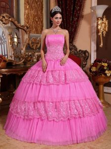 Inexpensive Strapless Pink Dress for Quinceanera with Layers in Organza and Lace