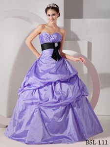 Classical Ruched Sweetheart Taffeta Quinceanea Dress with Sash in Lilac
