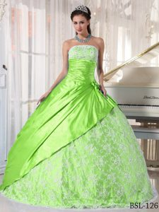 Brand New Spring Green Strapless Taffeta Sweet 16 Dresses with Lace Up