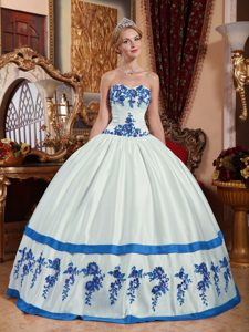 New Arrival Strapless Quinceanera Gown Dresses in White with Appliques