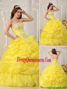 2016 PrettyYellow Quinceanera Dresses with Beading and Ruffles