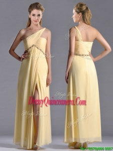 Exquisite One Shoulder Yellow Beautiful Dama Dress with Beading and High Slit