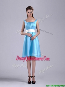 Simple Belted and Ruched Aqua Blue Beautiful Dama Dress in Knee Length