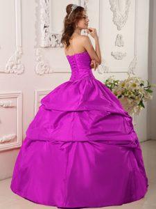 Exclusive Sweetheart Fuchsia Sweet Sixteen Dresses with Beading in Taffeta