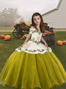 Olive Green Sleeveless Floor Length Embroidery Lace Up Kids Formal Wear