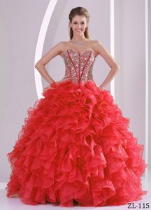 Pretty Ruffled Ball Gown Sweetheart Beaded Quinceanera Gowns in Sweet 16