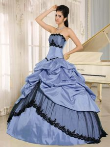 Blue Taffeta and Black Tulle Strapless Quinceanera Dresses with Pick-ups for Cheap