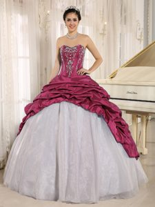Sweetheart Ball Gown Wine Red White Appliqued Quinceanera Dresses with Pick-ups