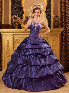 Fashionable Sweetheart Taffeta Purple Quinceanera Dress with Appliques