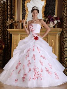 Dreamy Strapless Organza Appliqued Quinceanera Gown Dress in White