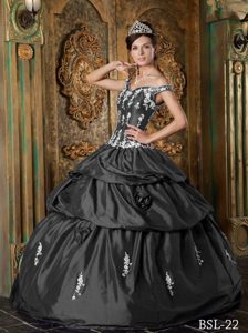 Off The Shoulder Grey Sweet 16 Dresses with Appliques and Handmade Flowers