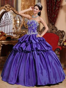 Beautiful Appliqued Purple Dress for Quince in Taffeta with Handmade Flowers