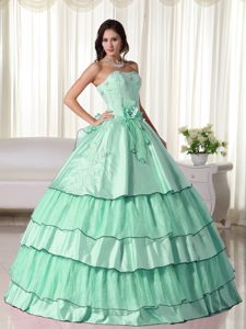 Strapless Floor-length Taffeta Quinceanera Dresses with Layers in Apple Green