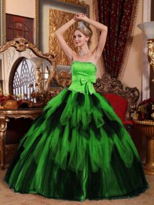 Wonderful Strapless Tulle Beaded Quinces Dresses with Bow and Ruffles