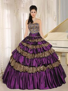 Beautiful Purple Leopard Sweet Sixteen Dresses with Ruffled Layers and Appliques