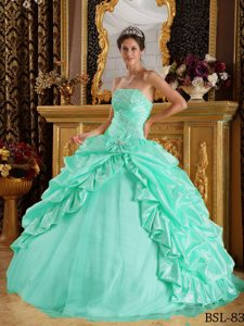 Elegant Apple Green Beaded Dresses for Quinceanera in Taffeta and Tulle