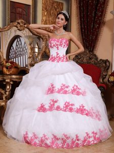 Sweetheart Organza Appliques Fall Quinceanera Gown Dresses in White