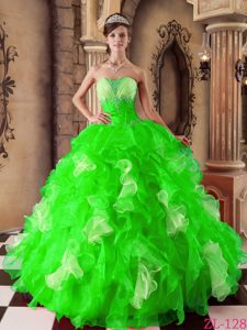 Spring Green Sweetheart Ball Gown Organza Ruffled Quinceanera Dress with Beading