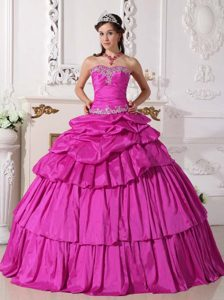 Fuchsia Sweetheart Layered Taffeta Quinceanera Dress with Appliques and Pick-ups