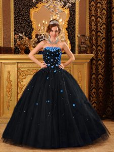Popular Strapless Tulle Black Quinceanera Dresses with Appliques Decorated